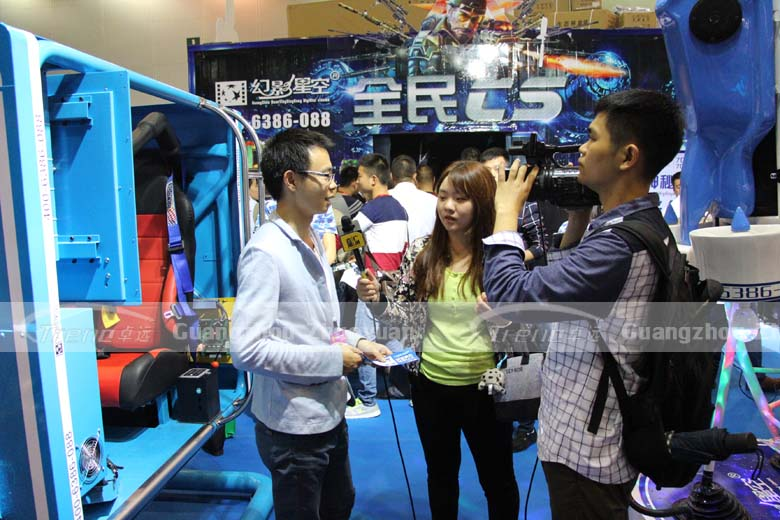 Zhuoyuan VR Simulator is the focus in reporter's eyes 2